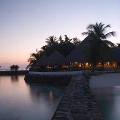 Отель Makunudu Island Мальдивы, Боду-Хитхи - отзывы, цены и фото номеров - забронировать отель Makunudu Island онлайн бассейн