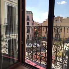 Отель We Are Madrid Malasaña балкон