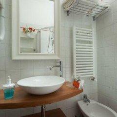 Отель La Fenice Римини ванная