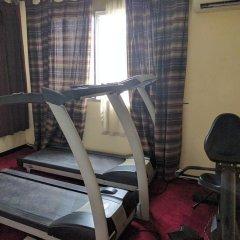 Отель The Camelot Rest House фитнесс-зал фото 2