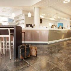 Отель Scandic Haugesund Норвегия, Гаугесунн - отзывы, цены и фото номеров - забронировать отель Scandic Haugesund онлайн гостиничный бар