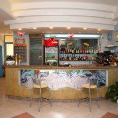 Отель Saint Raphael гостиничный бар