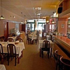 U Stare Pani - At the Old Lady Hotel Прага гостиничный бар