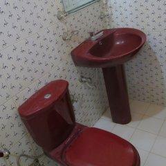 Отель Kent Holiday Inn ванная
