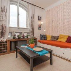Апартаменты Velvet Revolution Apartment комната для гостей фото 2