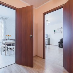 Отель FlatHome24 metro Komendanskiy prospect Санкт-Петербург комната для гостей