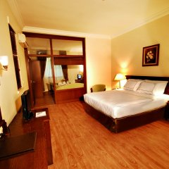 Hotel Golden Crown сейф в номере