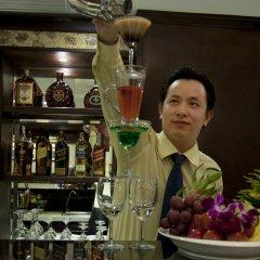 Golden Lotus Luxury Hotel гостиничный бар