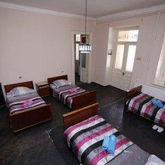 Отель Leon Hostel Грузия, Тбилиси - отзывы, цены и фото номеров - забронировать отель Leon Hostel онлайн комната для гостей фото 2