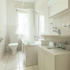 Апартаменты EMA house Serviced Apartments, Unterstrass Цюрих ванная