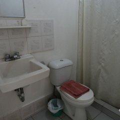 Отель The Southern Cross Hotel Филиппины, Манила - отзывы, цены и фото номеров - забронировать отель The Southern Cross Hotel онлайн ванная