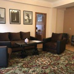 Отель Plaza Viktoria Армения, Гюмри - отзывы, цены и фото номеров - забронировать отель Plaza Viktoria онлайн интерьер отеля