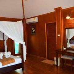 Отель Maya Koh Lanta Resort сейф в номере