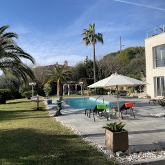 Отель Luxueuse et Confortable Villa sur Mer Франция, Ницца - отзывы, цены и фото номеров - забронировать отель Luxueuse et Confortable Villa sur Mer онлайн бассейн фото 2