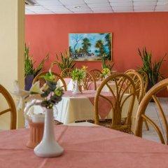 Отель Green Bungalows Hotel Apartments Кипр, Айя-Напа - 6 отзывов об отеле, цены и фото номеров - забронировать отель Green Bungalows Hotel Apartments онлайн помещение для мероприятий