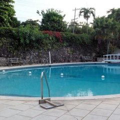 Shaw Park Beach Hotel бассейн