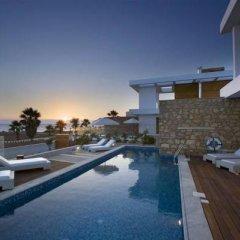Отель Paradise Cove Luxurious Beach Villas Кипр, Пафос - отзывы, цены и фото номеров - забронировать отель Paradise Cove Luxurious Beach Villas онлайн бассейн фото 4