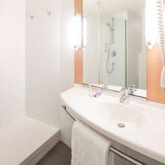 Отель Ibis Barcelona Santa Coloma Испания, Санта-Колома-де-Граманет - отзывы, цены и фото номеров - забронировать отель Ibis Barcelona Santa Coloma онлайн ванная фото 2