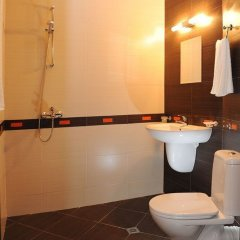 Отель Plaza Болгария, Равда - отзывы, цены и фото номеров - забронировать отель Plaza онлайн ванная