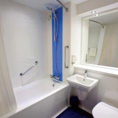 Отель Travelodge Edinburgh Dreghorn Эдинбург ванная фото 2