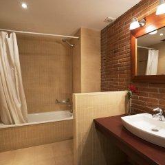 Отель Serennia Cest Apartamentos Arc de Triomf Испания, Барселона - 1 отзыв об отеле, цены и фото номеров - забронировать отель Serennia Cest Apartamentos Arc de Triomf онлайн ванная фото 2