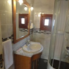 Отель Hostal Gran Avenida Испания, Саэлисес - отзывы, цены и фото номеров - забронировать отель Hostal Gran Avenida онлайн ванная фото 2