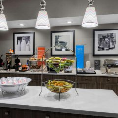 Отель Hampton Inn & Suites Los Angeles/Hollywood США, Лос-Анджелес - 8 отзывов об отеле, цены и фото номеров - забронировать отель Hampton Inn & Suites Los Angeles/Hollywood онлайн питание