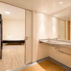 Отель Generator Hamburg Германия, Гамбург - 2 отзыва об отеле, цены и фото номеров - забронировать отель Generator Hamburg онлайн ванная