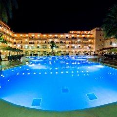 Отель Bahia Tropical Альмуньекар бассейн