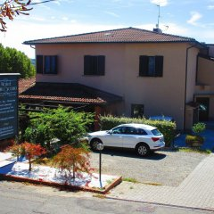 Hotel Montescano Сан-Мартино-Сиккомарио парковка