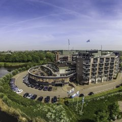 Van der Valk Hotel Leusden - Amersfoort бассейн
