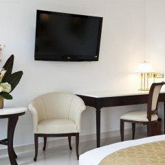 Отель Hôtel Aston La Scala удобства в номере