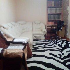 Гостиница на Буркова в Мурманске 1 отзыв об отеле, цены и фото номеров - забронировать гостиницу на Буркова онлайн Мурманск комната для гостей