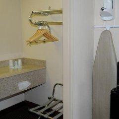 Отель Travelodge Columbus Колумбус сейф в номере