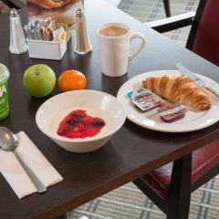 Отель Holiday Inn Express Glasgow City Centre Riverside в номере