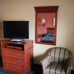 Отель Jasper Ridge Inn Ishpeming By Magnuson Worlwide комната для гостей