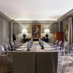 Отель Castille Paris - Starhotels Collezione Франция, Париж - 4 отзыва об отеле, цены и фото номеров - забронировать отель Castille Paris - Starhotels Collezione онлайн интерьер отеля фото 5