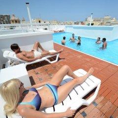 Отель Day's Inn Hotel & Residence Мальта, Слима - отзывы, цены и фото номеров - забронировать отель Day's Inn Hotel & Residence онлайн бассейн фото 3