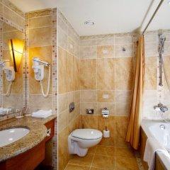 Отель Lindner Hotel Prague Castle Чехия, Прага - 2 отзыва об отеле, цены и фото номеров - забронировать отель Lindner Hotel Prague Castle онлайн ванная фото 2