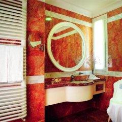 Отель Grand Hotel Trieste & Victoria Италия, Абано-Терме - 2 отзыва об отеле, цены и фото номеров - забронировать отель Grand Hotel Trieste & Victoria онлайн ванная фото 2