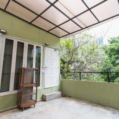 Bharani Hostel Бангкок балкон