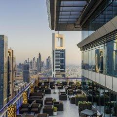 Отель Four Points by Sheraton Sheikh Zayed Road, Dubai гостиничный бар
