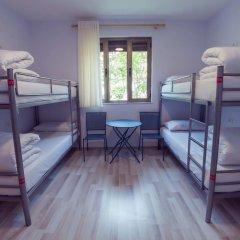 ART Hostel & Apartments Тирана комната для гостей