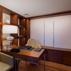 Conrad Istanbul Bosphorus Турция, Стамбул - 3 отзыва об отеле, цены и фото номеров - забронировать отель Conrad Istanbul Bosphorus онлайн удобства в номере