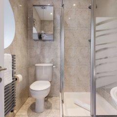 Отель Luxurious Hampstead Home with Gorgeous Garden ванная фото 2