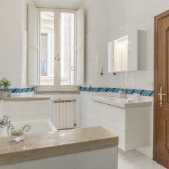 Отель Pantheon Charming Apartment Италия, Рим - отзывы, цены и фото номеров - забронировать отель Pantheon Charming Apartment онлайн ванная фото 2