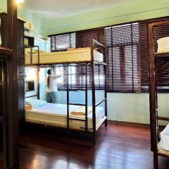 Niras Bankoc Hostel Бангкок сейф в номере