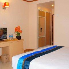 Отель J Two S Pratunam Бангкок комната для гостей