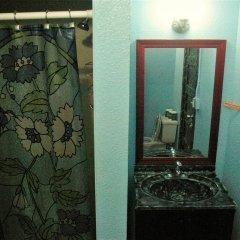 Отель Hostel Cat Las Vegas США, Лас-Вегас - отзывы, цены и фото номеров - забронировать отель Hostel Cat Las Vegas онлайн ванная