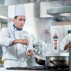 Отель Radisson Blu Hotel, Dubai Deira Creek ОАЭ, Дубай - 3 отзыва об отеле, цены и фото номеров - забронировать отель Radisson Blu Hotel, Dubai Deira Creek онлайн интерьер отеля